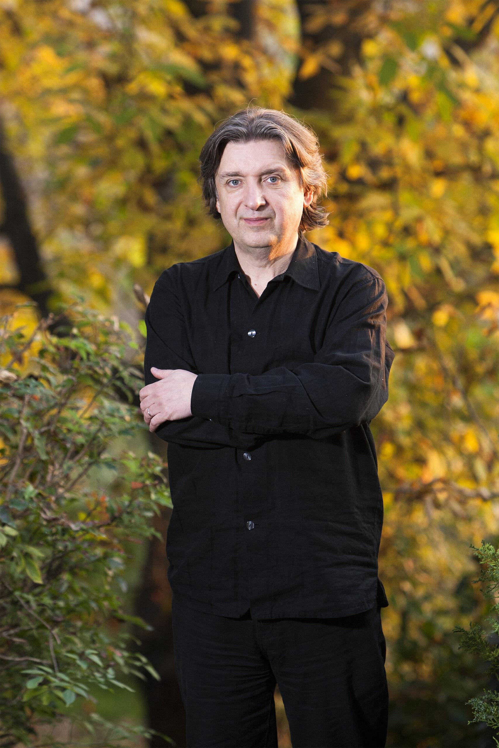 Zagreb, 06.11.2015 - Portret Srecka Bradica u njegovom domu